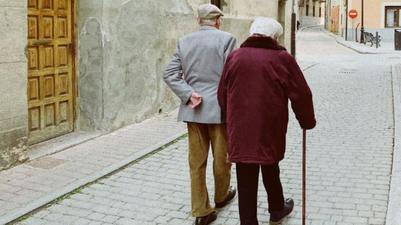 Honrar al anciano: un mandato de Dios