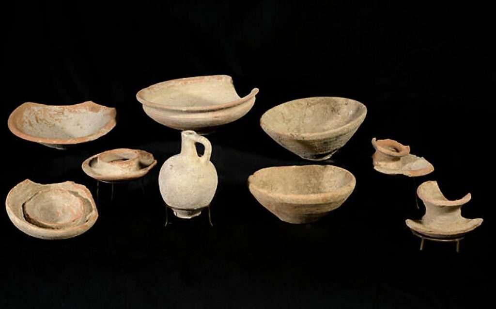 Vasijas de cerámica encontradas en la Fortaleza de Gal On